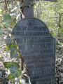 Stèle d'une jeune femme assassinée