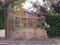 Un portail en très beau fert forgé