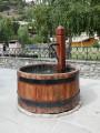 Une fontaine publique à Aiguilles