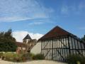 Une grange juste à côté de la mairie et de l'église