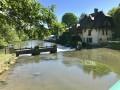 Vue de La Roche Guyon et le moulin sur l'Epte
