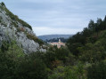 Vue de Peypin depuis le bas de la colline de la Cride