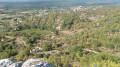 vue depuis le promontoire au village en ruines de Chastelas