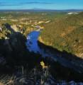 Vue du pont de Collias depuis les falaises