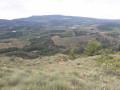 vue du village de Toureilles et les éoliennes