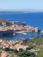 Vue sur Collioure en descendant du fort Saint Elme