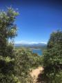 vue sur Lac d'Esparron en fin de balade