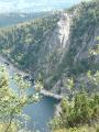 Vue sur le rocher du Hans depuis le GR5 au-dessus du lac Blanc